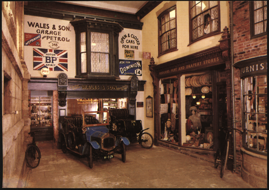Grout Bros Steam Car, 1899, York Castle Museum, England, Front